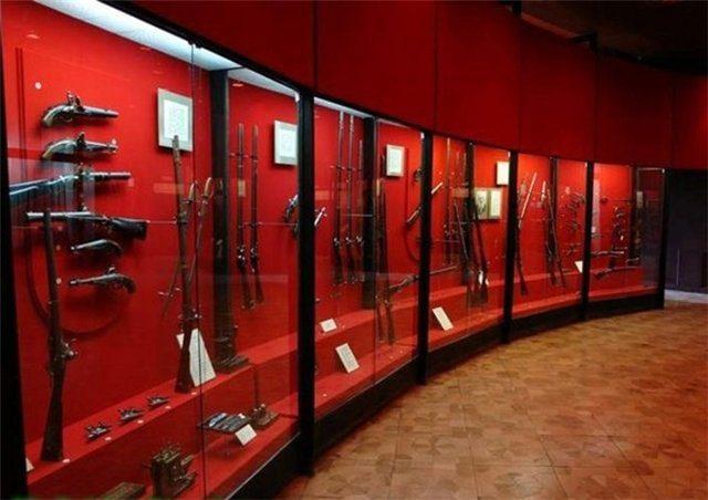 музейное оборудование