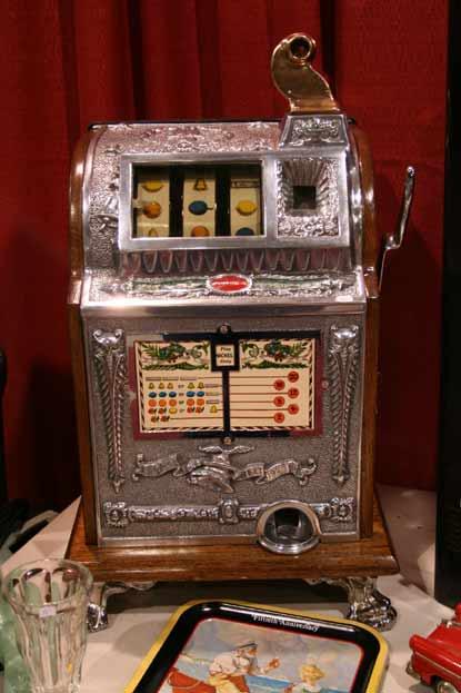 история возникновения игровых автоматов