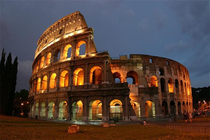 Колизей в Риме фото