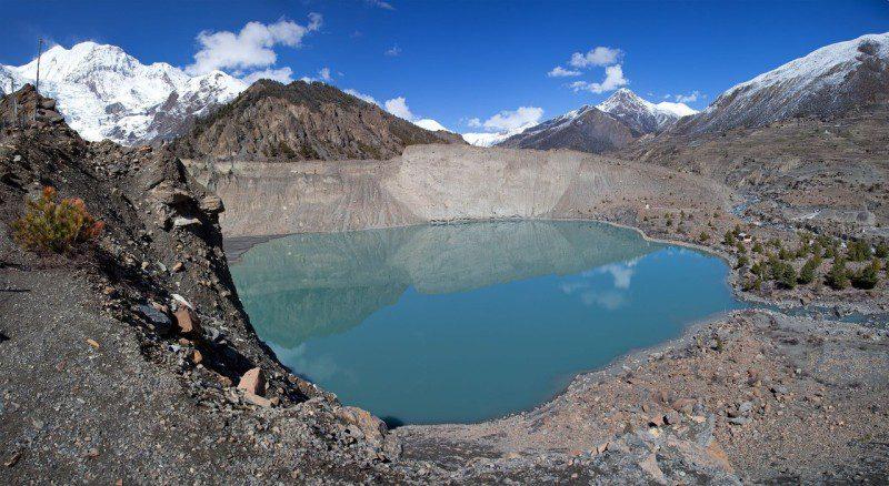 Гангапурна озеро у горы