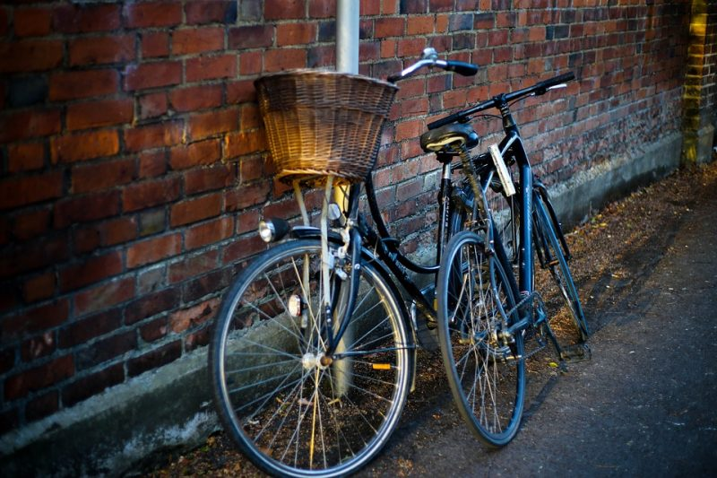 два дорожных велосипеда фото